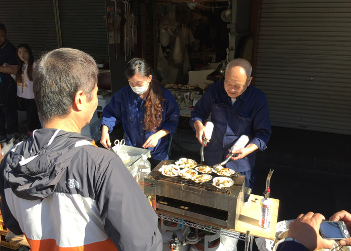 Scallop stall at Tsukiji Fish Market