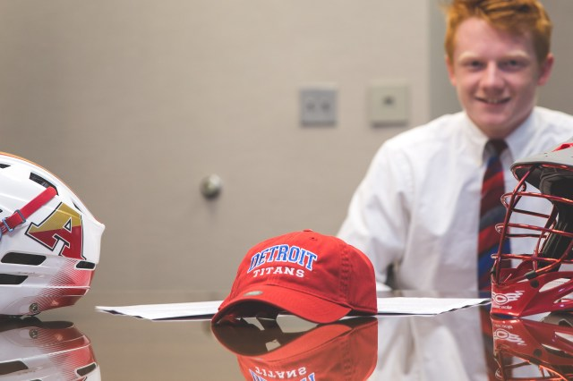 Nick Boynton signs with Detroit (Jason Switzer Photography)