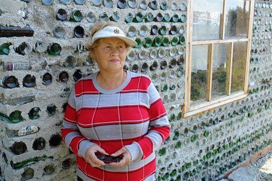 glass bottle house 1