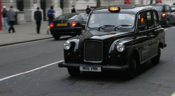 London's electric hybrid black cabs