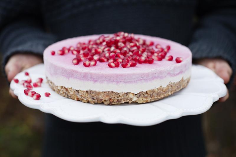alt_gks_pomegranate_cashewcake