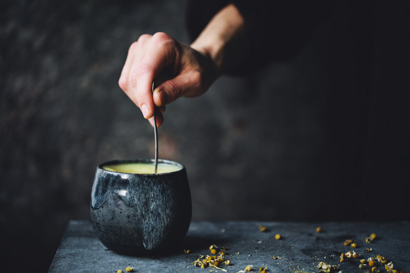 Chamomile_turmeric_tea_1