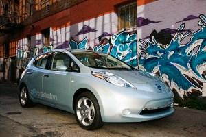 nissan leaf uk 300x200 Nissan Leaf Deliveries Not Affected by Japan Quake, States UK Company Official