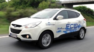 commitment to hydrogen car development increases as automakers step back from battery ev development 625x1000 300x168 Hydrogen Cars to Overtake Battery EVs