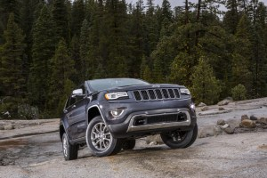 "1 JP014 061GC 300x200 30 MPG 2014 Jeep Grand Cherokee Has Some Calling ""Bulls**t"""