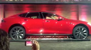 model s battery swap 300x166 Tesla Model S Battery Swap Demo   Just 90 seconds (Video) (updated)