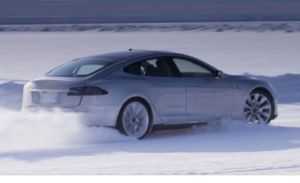 model s snow norway 300x183 How Tesla Model S Manages a 200 Mile Trip in Snowy Norway (Video)