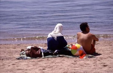 Will the Coral Reef at Aqaba Beach Be Destroyed By Litter?