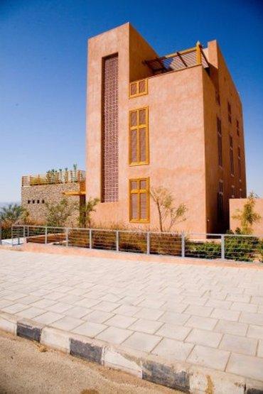 Tareq Emtairah's Practical Eco-House in Aqaba, Jordan