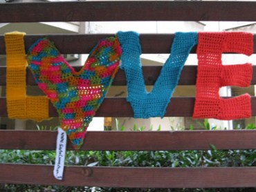Savta Connection Takes Urban Knitting to Tel Aviv's Streets