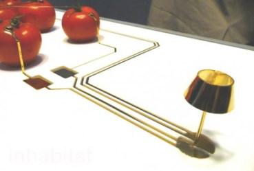 Cygalle Shapiro Creates LED Lamp Powered Organically… By Tomatoes
