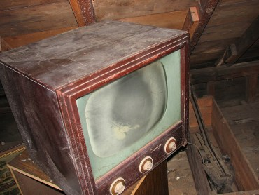 Israel Has Plans To Outlaw Dinosaur TVs