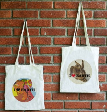 Chic Reusable Cotton Bags Make Eco-Friendly Shopping Cool