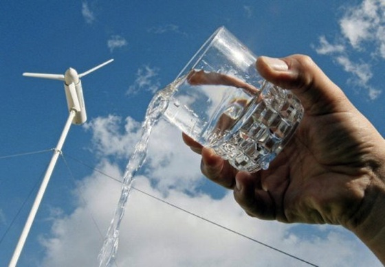 Eole Uses Wind Power to Make Water From Desert Air