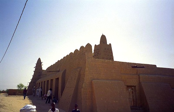 earth architecture, green building, Djinguereber Mosque, Timbuktu, Islamists