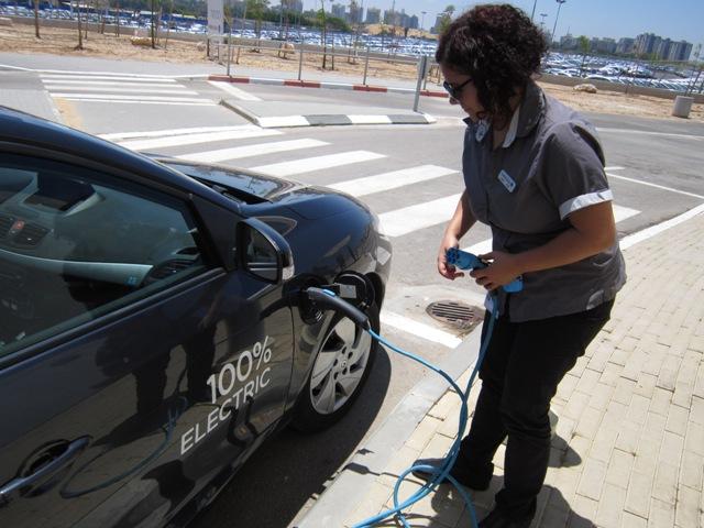 Green Prophet Test Drives Better Place Electric Car