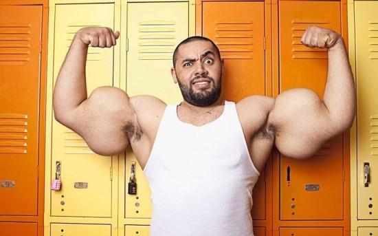 Moustafa Ismail biceps