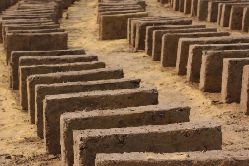 Make Your Own Compost Bin With Mesopotamian Bricks