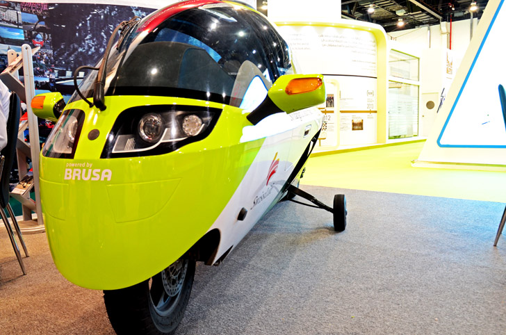 Zerotracer: A Globetrotting Electric Motorbike With its Own Helmet