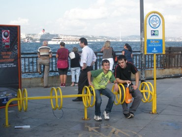 With Some Advice From the Dutch, Istanbul Tries To Be More Bike-Friendly