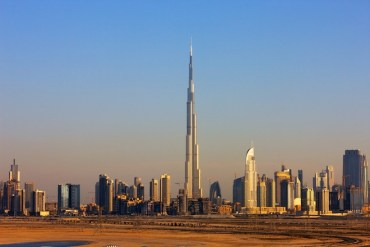 """""""Dubai's Skyscrapers are Cheap"""" and """"Anonymous"""" says Architect Franky Gehry"""