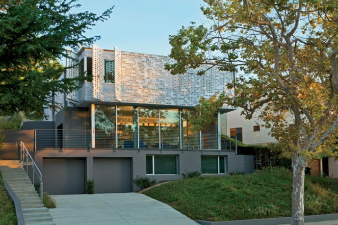 Beit Ha-Ahava: CA architect builds a house wrapped in love