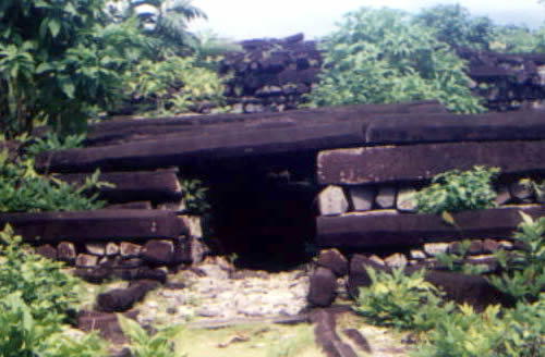 Ruins of Nan Madol in Pohnpei - Photo by CT Snow from Hsinchu, Taiwan - The Mystery of Nan Madol – Greetings from the Past