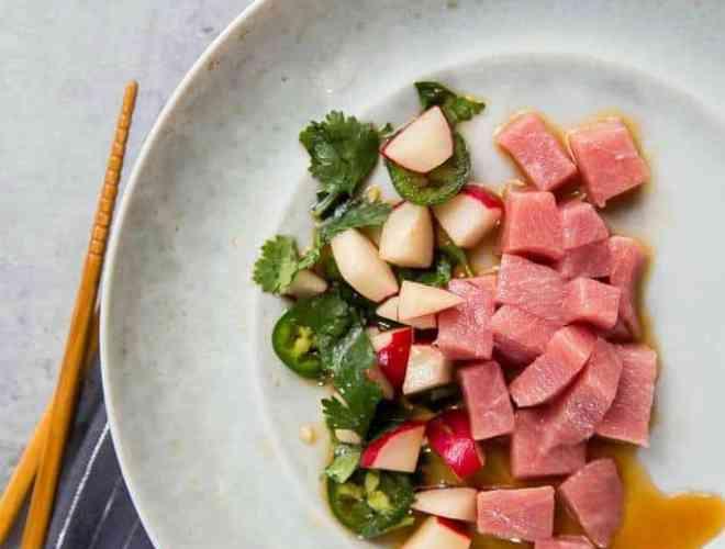 tuna sashimi and radish salad