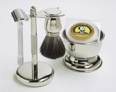 Image of a safety razor shaving kit