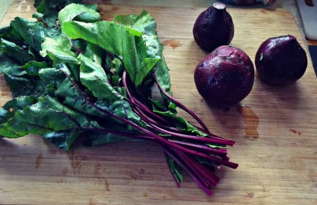 cut beet greens off