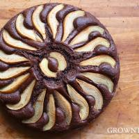 Pear & chocolate honey spelt cake