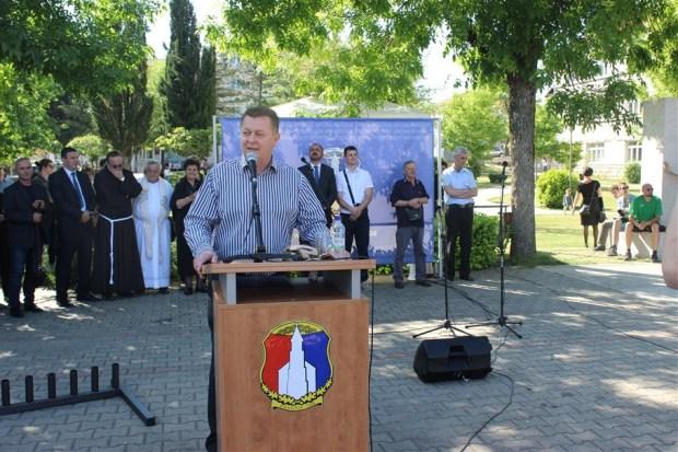 Zdenko Ćosić premijer