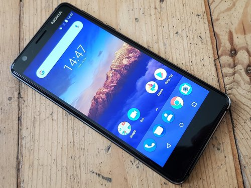 Tania Nokia 3.1należy do programu Android One / fot. gsmManiaK.pl