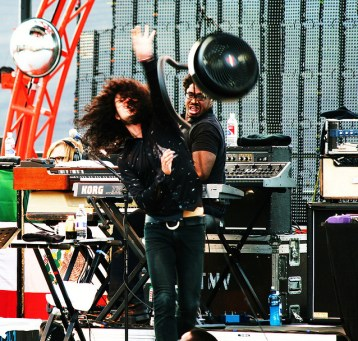 Cedric of The Mars Volta throwing stage lighting at the crowd during Sasquatch! 2008.