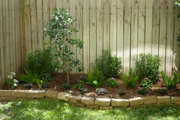 10 idee per utilizzare i mattoni in giardino guida giardino for Jardines pequenos con ladrillos