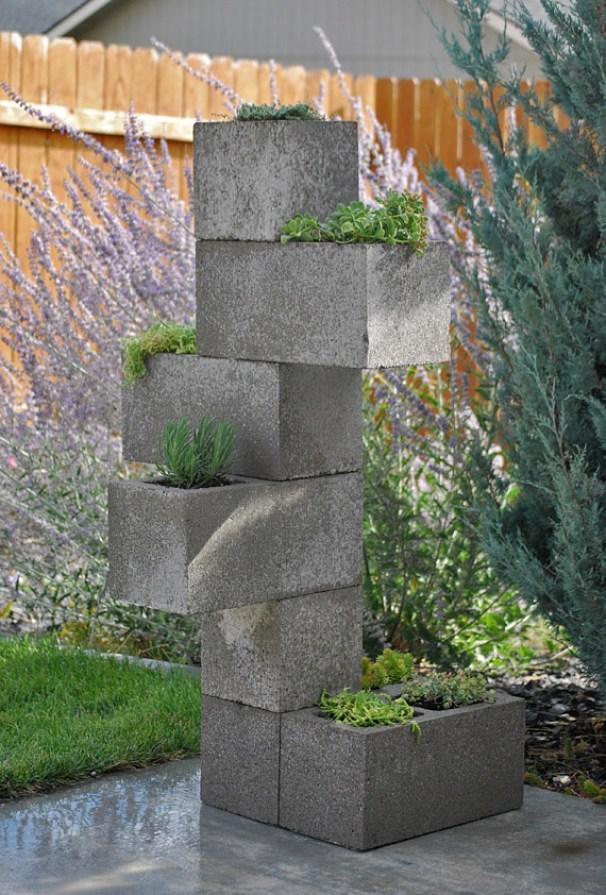 Come realizzare una fioriera verticale con mattoni in - Jardinera hormigon ...