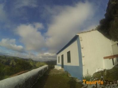 Casa de Los Berros ascenciendo a Pico del Inglés por el PR 2