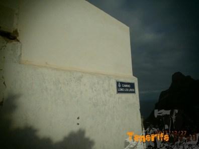 Calle Lomo Los Lirios, bajada del PR 4 a la plaza de Taganana