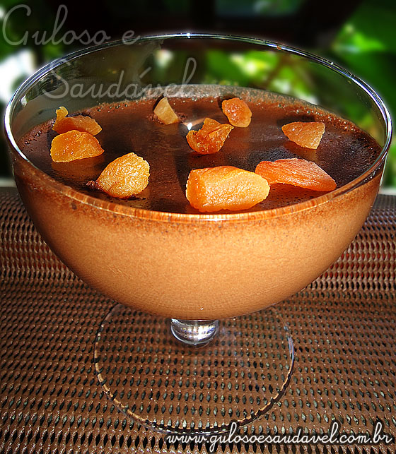 Receita de Mousse de Chocolate Amargo e Damasco