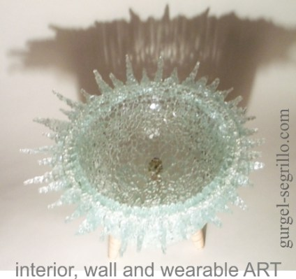 art sculpture in re-used glass, by gurgel-segrillo