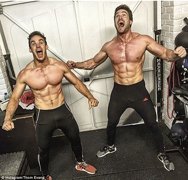 32D6833100000578-3522846-Aaaaaaandd_flex_The_31_year_old_and_Max_32_flexed_their_muscles_-a-54_1459783032706