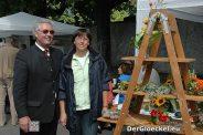 Bürgermeister Herbert SPECKL mit Christine DACHS am Stand von Anna PENAUER