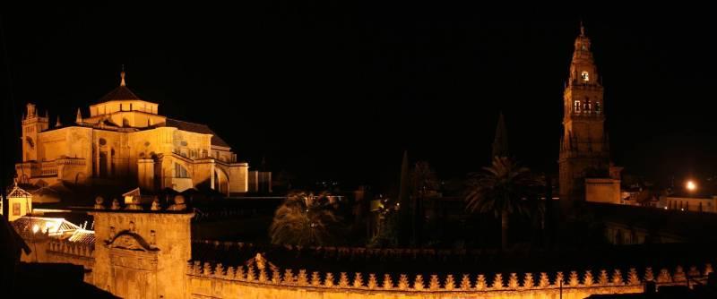 Inmersi n en la historia paseo por c rdoba y relax en el - Visita nocturna mezquita de cordoba ...