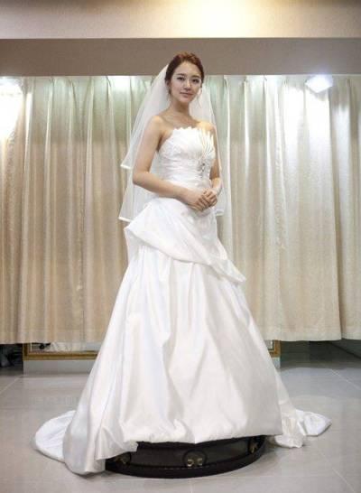[ChanMi's star news] Yoon Eun-hye in a wedding dress ...