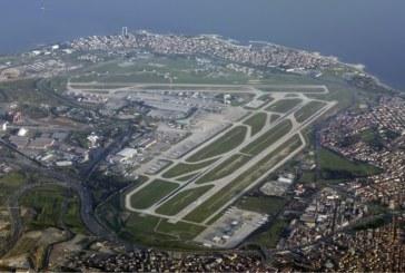 Selvmordsbombere sprengte seg selv på flyplass i Tyrkia