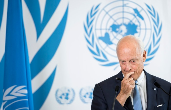 epa06995897 UN Special Envoy of the Secretary-General for Syria Staffan de Mistura, attends a news conference, at the European headquarters of the United Nations, in Geneva, Switzerland, 04 September 2018.  EPA/JEAN-CHRISTOPHE BOTT