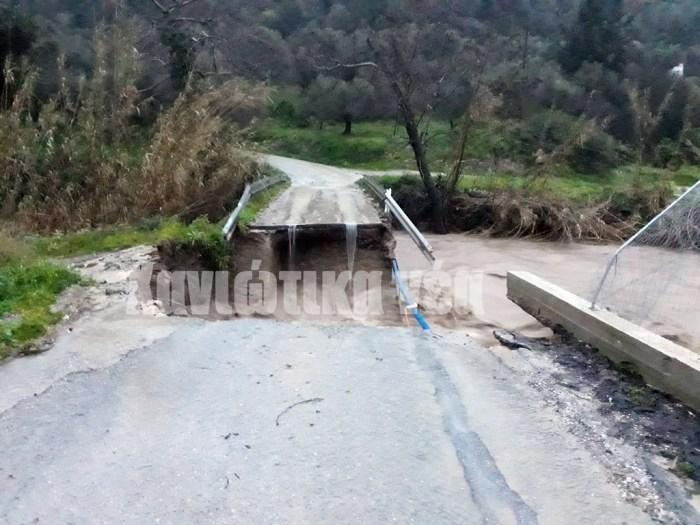Στο Μουρί Κισάμου ολοκληρωτικά καταστράφηκε η γέφυρα στο Μουρί Κισάμου, που συνδέει τον οικισμό με το Βουλγάρω.