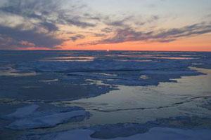 ArcticOceanSunset300