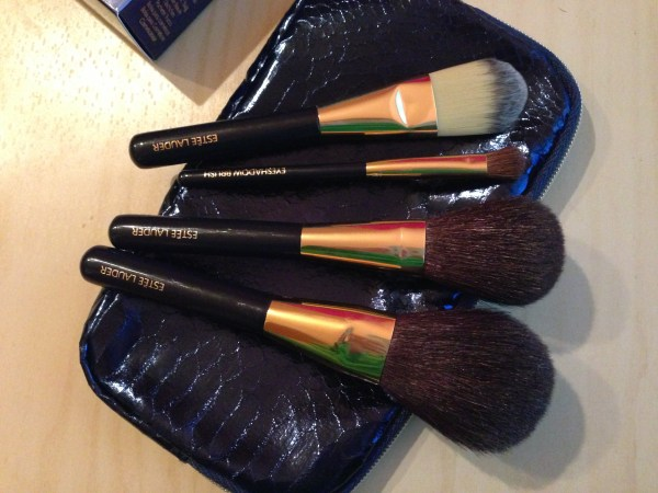 Estee Lauder brush set