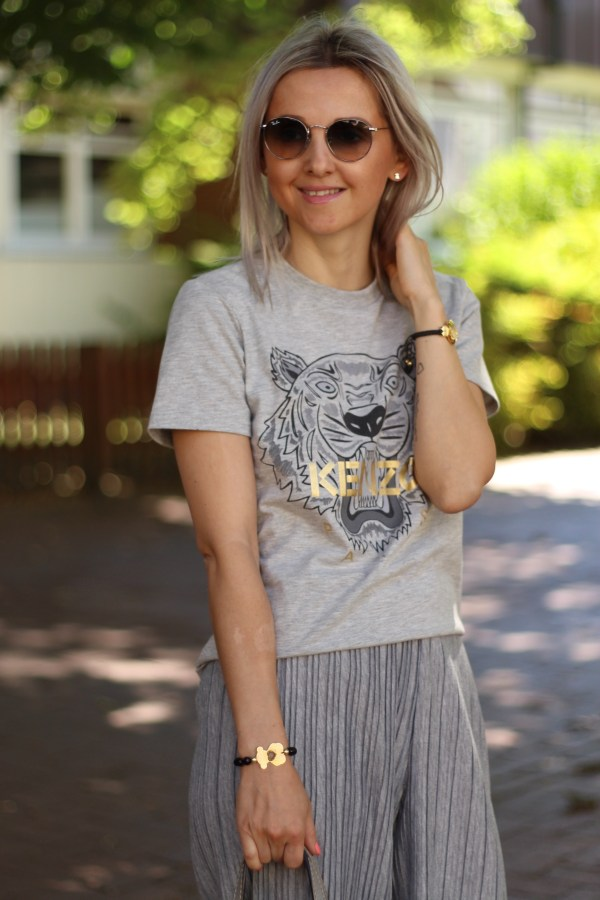 Kenzo T-Shirt, Marc Jacobs Tasche, Zara Hose, Ray-Ban Sonnenbrille